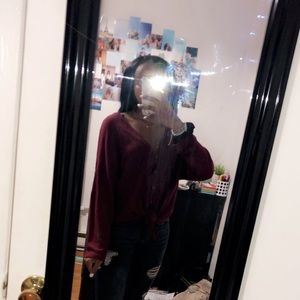 V neck thin sweater